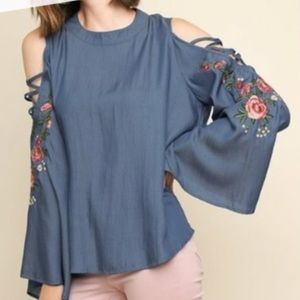 Umgee blue heaven chambray embroidered top NWOT